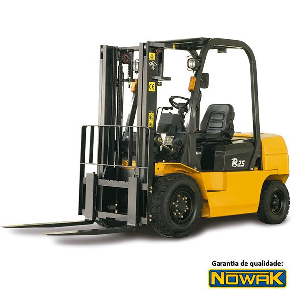 Empilhadeira à Diesel - 2500 KG