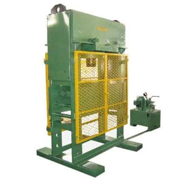 Prensa Hidráulica 400 Toneladas NowaK, com grade e cilindro móvel